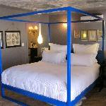 Visually stunning 4 poster bed
