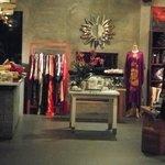 Boutique & Crafts