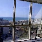 Blick aus dem Treppenhaus zum Strand