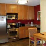 beautiful fully equiped kitchen