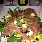 Nice salad with burned figs