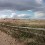 Пляж Кросби