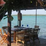 un comedor al lado del Mar