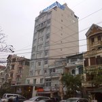 Sunny Hotel 3