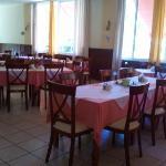 the dining/breakfast room