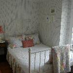 Single Add-On Room available with Sarah or Florence Room