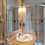bath room 321