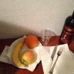 advertised Fruit basket provided