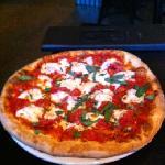 margherita pizza - small