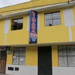 The hostel from the street / el hostal de la calle