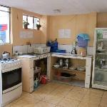 Shared kitchen / cocina compartida