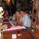 Deliciosa fondue de carne al vino tinto,buena música y buen ambiente