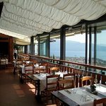 Enjoy your meal and a genuine panoramic view over Toscolano Maderno and Garda Lake
