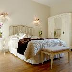 Large, comfortable, classic rooms