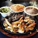 Chicken & Beef Fajitas (Parriadilla par Dos) - Sizzling Hot