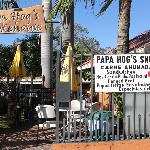 Papa Hog outdoor dining