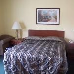 1 Queen Bed Room 3rd Floor