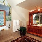 Spa tub, double vanities, separate shower