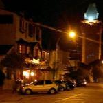 Vista del Hotel en una noche de marzo