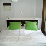 Bett / Bed