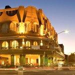 Ravesi's Hotel Bondi Beach