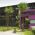 Façade de l'hôtel Onomo Libreville Gabon