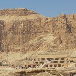 Tempel of Hatsjepsut (4 km. from the hotel)