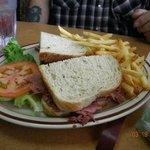 Corn beef sandwich deluxe