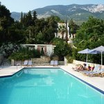 Villa Mare pool with beautiful mountain backdrop