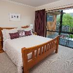 Buchanans Queen Room at Wanaka Springs Lodge