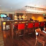 Bar/Lounge/Dining area of Osprey Hotel