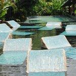 Pool seats