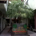 Entrance to PhiPhi Palmtree, as seen from the street.