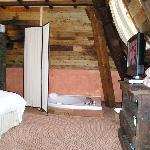 Vasca idromassaggio nella Suite Ancienne Tour