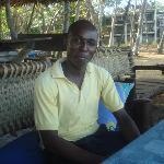 Un serveur qui parle Français Charles YAA
