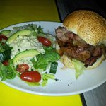 Bacon burger with Gorgonzola salad