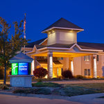 Holiday Inn Express Pella - Exterior/Night