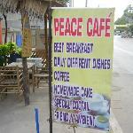 Photo de peace cafe and boutique