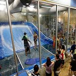 Flowrider Indoor Surfing