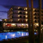 vista by night hotel