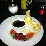Sticky pudding with homemade icecream