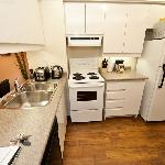 1 Bedroom Executive Suite - Fully Stocked & Equiped Kitchen with 7 appliances