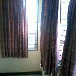 MTR Yatri Nivas Lodge   big window