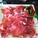 generous prosciutto de Parma