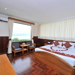 Photo de Ayarwaddy River View Hotel