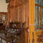 The HUGE pipe organ!