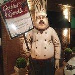 excelente local para desfrutar um almoço ou jantar italiano.