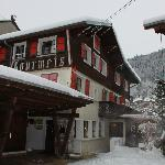 Front of Chalet Les Gourmets