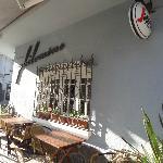 Philomene Cafe, entrada