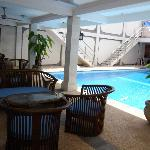 Aquarius Beach Hotel Sanur Foto